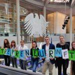 NFTE Schülerin des Jahres 2018 auf dem Entrepreneurship Summit prämiert